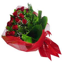 Bitlis kaliteli taze ve ucuz çiçekler  12 adet kirmizi essiz gül buketi - SEVENE ÖZEL