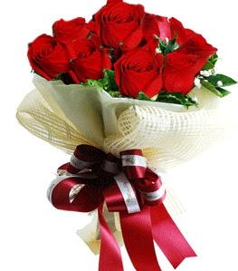 9 adet kırmızı gülden buket tanzimi  Bitlis çiçek gönderme sitemiz güvenlidir
