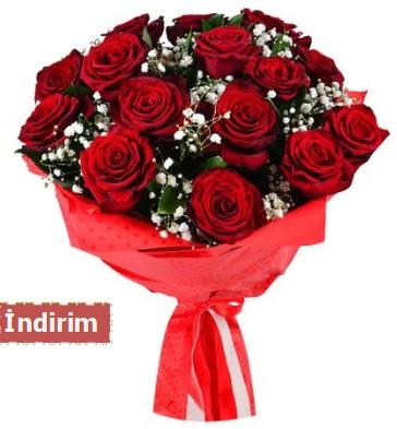12 Adet kırmızı aşk gülleri  Bitlis çiçek satışı