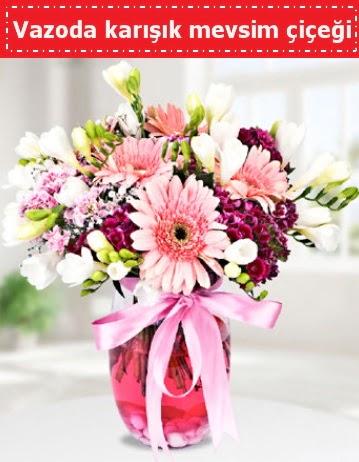 Vazoda karışık mevsim çiçeği  Bitlis çiçek , çiçekçi , çiçekçilik