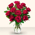 Bitlis çiçek yolla  10 adet gül cam yada mika vazo da