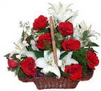 sepette gül ve kazablankalar   Bitlis çiçekçi mağazası