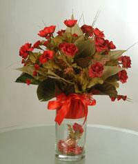 yapay güllerden vazo  9 gül  Bitlis uluslararası çiçek gönderme