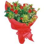 10 adet kirmizi gül buketi  Bitlis çiçek yolla