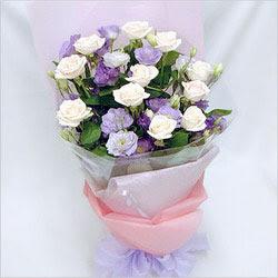 Bitlis internetten çiçek satışı  BEYAZ GÜLLER VE KIR ÇIÇEKLERIS BUKETI