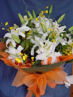 Bitlis internetten çiçek satışı  5 ADET KAZABLANKA BUKETI KALITEDEN SASMAYANLARA