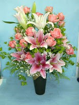 Bitlis internetten çiçek satışı  cam vazo içerisinde 21 gül 1 kazablanka