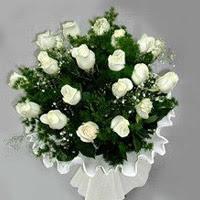 Bitlis hediye çiçek yolla  11 adet beyaz gül buketi ve bembeyaz amnbalaj