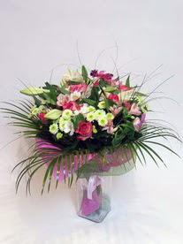 Bitlis hediye çiçek yolla  karisik mevsim buketi mevsime göre hazirlanir.