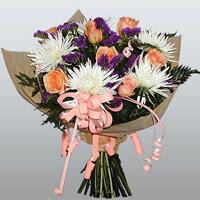 güller ve kir çiçekleri demeti   Bitlis çiçekçiler
