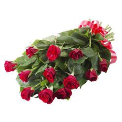 11 adet kirmizi gül buketi  Bitlis yurtiçi ve yurtdışı çiçek siparişi