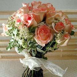12 adet sonya gül buketi    Bitlis çiçek gönderme