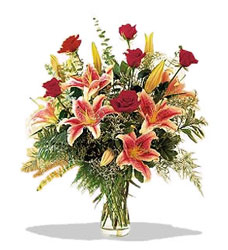 Bitlis çiçek servisi , çiçekçi adresleri  Pembe Lilyum ve Gül