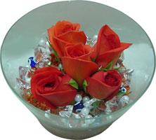 Bitlis 14 şubat sevgililer günü çiçek  5 adet gül ve cam tanzimde çiçekler