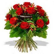 9 adet kirmizi gül ve kir çiçekleri  Bitlis internetten çiçek satışı