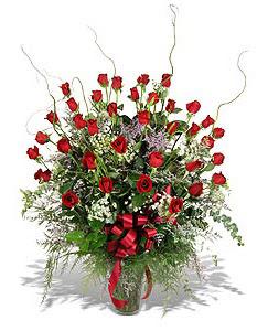 Bitlis çiçek siparişi sitesi  33 adet kirmizi gül vazo içerisinde