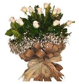 Bitlis çiçekçi telefonları  9 adet beyaz gül buketi