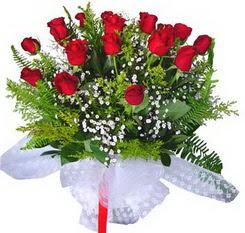 Bitlis çiçek satışı  12 adet kirmizi gül buketi esssiz görsellik