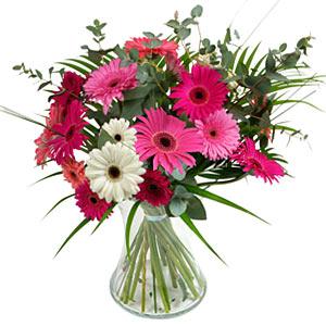 15 adet gerbera ve vazo çiçek tanzimi  Bitlis online çiçek gönderme sipariş
