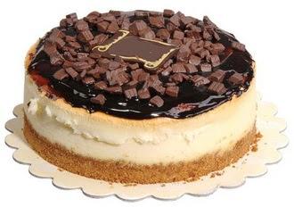 pasta yolla 4 ile 6 kisilik çikolatali yas pasta  Bitlis online çiçek gönderme sipariş
