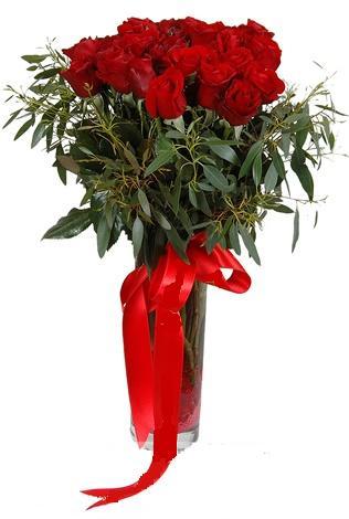 15 adet kirmizi gül cam vazo içerisinde  Bitlis internetten çiçek satışı