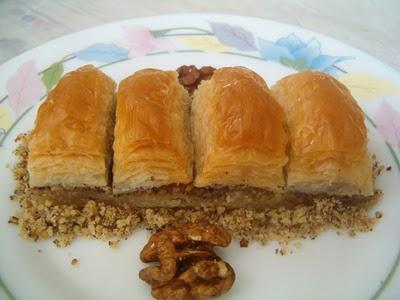 online pastane Essiz lezzette 1 kilo cevizli baklava  Bitlis cicek , cicekci