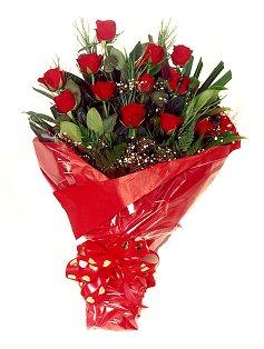12 adet kirmizi gül buketi  Bitlis çiçekçiler