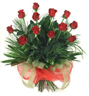 Çiçek yolla 12 adet kirmizi gül buketi  Bitlis güvenli kaliteli hızlı çiçek