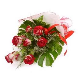 Çiçek gönder 9 adet kirmizi gül buketi  Bitlis çiçek siparişi vermek