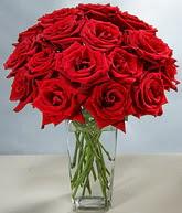 Bitlis çiçekçi mağazası  cam vazoda 11 kirmizi gül  Bitlis hediye sevgilime hediye çiçek