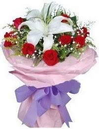 9 adet kirmizi gül 1 adet kazablanka buketi  Bitlis çiçekçi mağazası