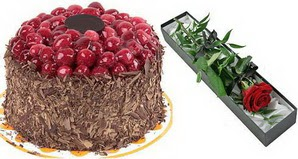 1 adet yas pasta ve 1 adet kutu gül  Bitlis uluslararası çiçek gönderme