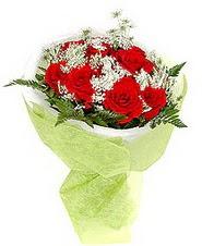 Bitlis çiçek , çiçekçi , çiçekçilik  7 adet kirmizi gül buketi tanzimi