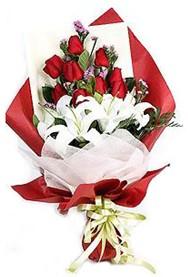 Bitlis hediye çiçek yolla  9 adet gül 2 adet kazablanka buketi