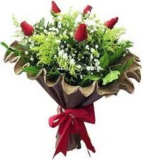 Bitlis online çiçek gönderme sipariş  5 adet kirmizi gül buketi demeti