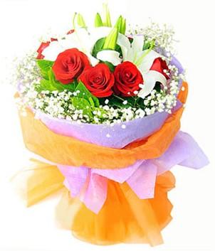 Bitlis çiçek gönderme sitemiz güvenlidir  1 dal kazablanka 7 adet kırmızı gül buketi