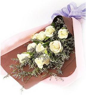 Bitlis cicek , cicekci  9 adet beyaz gülden görsel buket çiçeği
