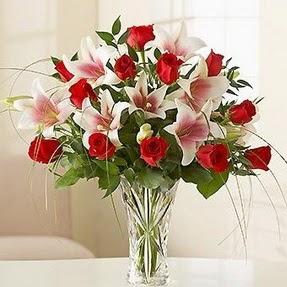 Bitlis çiçek mağazası , çiçekçi adresleri  12 adet kırmızı gül 1 dal kazablanka çiçeği