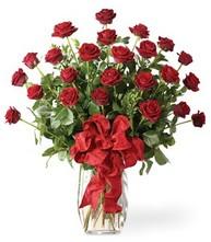 Sevgilime sıradışı hediye güller 24 gül  Bitlis 14 şubat sevgililer günü çiçek