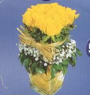 Bitlis anneler günü çiçek yolla  Cam vazoda 9 Sari gül