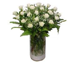 Bitlis yurtiçi ve yurtdışı çiçek siparişi  cam yada mika Vazoda 12 adet beyaz gül - sevenler için ideal seçim