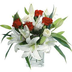 vazo içerisinde 4 gül 1 adet kazablanka  Bitlis online çiçek gönderme sipariş