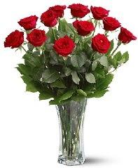11 adet kırmızı gül vazoda  Bitlis internetten çiçek siparişi