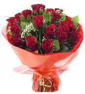 12 adet görsel bir buket tanzimi  Bitlis çiçek siparişi vermek