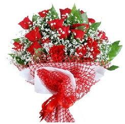 11 kırmızı gülden buket  Bitlis 14 şubat sevgililer günü çiçek