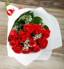 9 kırmızı gülden buket çiçeği  Bitlis çiçek gönderme