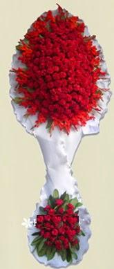 Çift katlı kıpkırmızı düğün açılış çiçeği  Bitlis anneler günü çiçek yolla