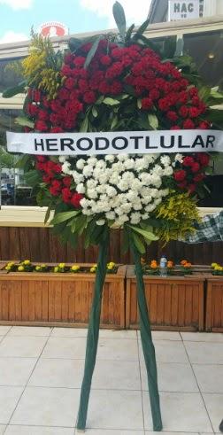 Cenaze çelengi cenazeye çiçek modeli  Bitlis çiçek satışı