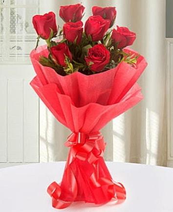 9 adet kırmızı gülden modern buket  Bitlis İnternetten çiçek siparişi