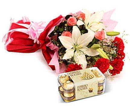 Karışık buket ve kutu çikolata  Bitlis çiçek , çiçekçi , çiçekçilik